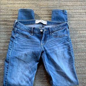 Hollister size 3 skinny jeans.